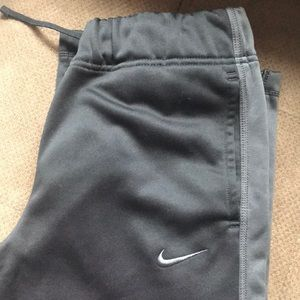 Nike therms fit